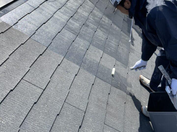 屋根 コロニアル部分 下塗り